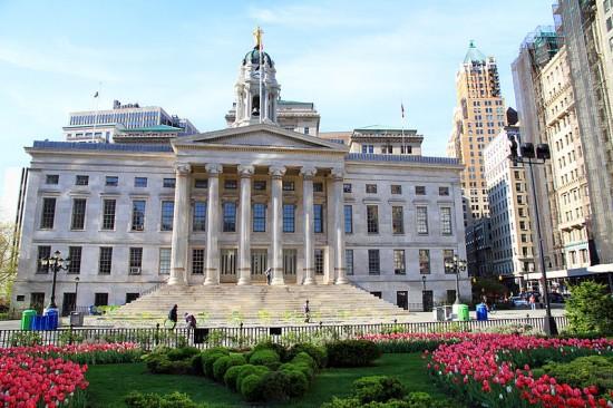 Borough Hall : Wiki Commons : Ingfbruno